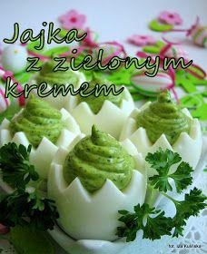 smakowite jajka faszerowane zielonym ziołowym kremem - pyszne danie na wielkanocny stół