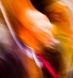 """""""De vez em quando esqueça tudo sobre sua sanidade, tudo sobre seus regulamentos, disciplina, comportamento controlado, e todos esses absurdos.  De vez em quando tire férias, relaxe e enlouqueça.""""  OSHO  (Imagem: """"Migraine"""", por Steve-h, via Flickr Creative Commons)"""