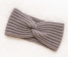 Thanks for this post.Knitting Patterns Galore - Headband with a Twist With the popularity of hairs.Knitting Patterns Galore - Headband with a Twist With the popularity of hairstyles and accessories, different issues su# Galore Knitting Blogs, Easy Knitting Patterns, Free Knitting, Crochet Patterns, Baby Knitting, Knitted Headband Free Pattern, Crochet Headbands, Baby Headbands, Wrap Pattern