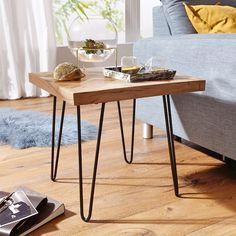 Dieser Beistelltisch ist schon jetzt ein moderner Klassiker. Der quadratische Tisch ist aus hochwertigem Akazienholz gefertigt und verleiht Ihrem Heim eine elegante Note.   Mit den Maßen ca. 50 x 47 x 50 cm bietet der kleine Tisch ausreichend Platz für Snacks, Getränke oder geschickt arrangierte Dekoelemente. Beachten Sie besonders die liebevoll bis ins kleinste Detail gestaltete Tischplatte – ein Eyecatcher, der Sie und Ihre Gäste gleichermaßen begeistern wird. Design Tisch, Office Desk, Dining Table, Furniture, Home Decor, Products, Ebay, Pictures, Industrial