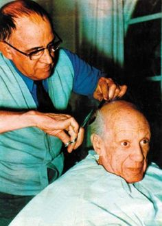 Pablo Picasso - Photos - Eugenio Arias: Friend and barber to Picasso, 1960 year