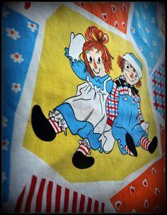 Vintage Raggedy Ann & Andy Bedspread
