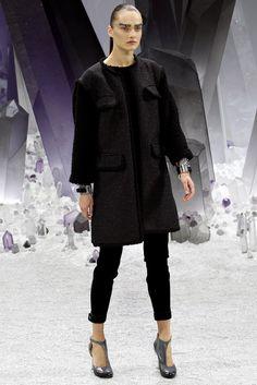 Chanel Fall 2012 Ready-to-Wear Fashion Show - Karmen Pedaru (IMG)