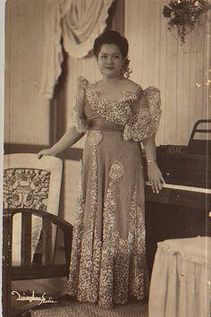 FortuneCatLady Baro't Saya, Fashion History, Women's Fashion, Philippine Women, Filipino Culture, Filipina Beauty, Filipiniana, Maria Clara, Mindanao