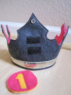 birthday crown.--for halies 9th bday!!