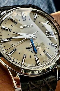 See luxury watches. Patek Phillippe, Hublot, Rolex and much more. Best Watches For Men, Fine Watches, Luxury Watches For Men, Sport Watches, Cool Watches, Black Watches, Elegant Watches, Stylish Watches, Beautiful Watches