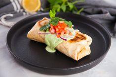 Lamb Wraps with Green Tahini Healthy Cooking, Healthy Meals, Healthy Recipes, Yummy Recipes, Yummy Food, Wraps, Tahini Dressing, Lebanese Recipes, Light Recipes