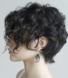 Love her hair what! can my hair DO that? Helena Christensen - style icon for like ever! love her hair here! love her hair Hair Col. Curly Pixie Cuts, Cute Hairstyles For Short Hair, Curly Hair Styles, Shag Hairstyles, Short Pixie, Asymmetrical Pixie, Pixie Bob, Pixie Wavy Hair, Wedding Hairstyles