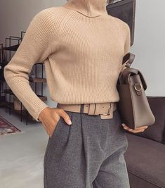 3 Basic Pieces Make the Perfect Chic Outfit - - . - Street Style Outfits, 3 Basic Pieces Make the Perfect Chic Outfit - - . Basic Outfits, Mode Outfits, Classy Outfits, Casual Outfits, Winter Outfits, Summer Outfits, Office Outfits Women, Office Fashion Women, Fashionable Outfits