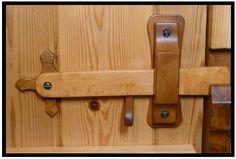 diy door latches for barn doors Wooden Door Knobs, Wooden Hinges, Wooden Doors, Barn Door Latch, Door Latches, Gate Latch, Oak Interior Doors, Exterior Doors, Shed Doors