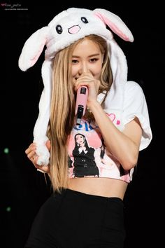 blackpink concert in Hongkong Kim Jennie, Kpop Girl Groups, Korean Girl Groups, Kpop Girls, K Pop, Rose And Rosie, Rose Bonbon, Blackpink Photos, Kim Jisoo