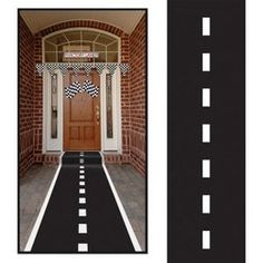 Racebaan loper -  een soort rode loper, maar dan bedrukt als een racebaan. Lengte: 300 x 60cm. Leuk voor een sport evenement, kinderfeest of gewoon als decoratie in een kinder of tiener slaapkamer. | www.feestartikelen.nl