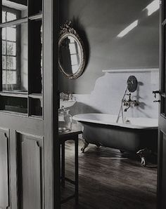 The bath tub. Beautiful bathroom but i just want the bath tub! Bad Inspiration, Bathroom Inspiration, Home Interior, Bathroom Interior, Design Bathroom, Attic Bathroom, Bathroom Layout, Bath Design, Bathroom Remodeling