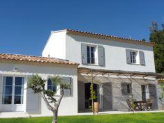 #Maison simple avec dépendance attenante.  #construction #provence  http://www.m-habitat.fr/plans-types-de-maisons/types-de-maisons/les-mas-de-provence-3122_A