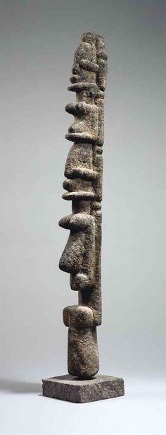 Sculpture double Tellem Tellem double figure | FALAISE DU SUD, BANDIAGARA, MALI | Sculptures, Statues & Figures, ceremonial & ritual items | Christie's