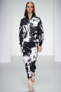 See all the Collection photos from Jean-Pierre Braganza Spring/Summer 2014 Ready-To-Wear now on British Vogue Runway Fashion, High Fashion, Womens Fashion, Fashion 2014, London Fashion, Vogue, Spring Summer, Spring 2014, Summer 2014
