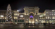 MILANO Piazza del Duomo e la splendida galleria.