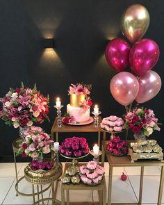 """Tábita Cintra on Instagram: """"Uma Pocket Party elegante para Viviane comemorar seus 40 anos! . . Local: @masakislz  Balões: @customstoreslz  Arranjos Florais:…"""""""