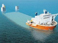 重量物運搬船ブルー・マーリン