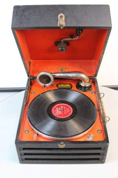 Antique Victrola 4 Record Player And Record