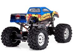 Redcat Racing Ground Pounder 1/10 Scale Electric Monster Truck (3-Channel 2.4GHz Remote Control)