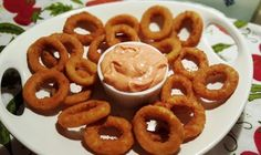 Air Fryer Onion Rings with Better than Bloomin' Onion Ring Sauce Image Air Fryer Zwiebelringe mi Onion Ring Dipping Sauce Recipe, Onion Ring Sauce, Air Fry Recipes, Cooking Recipes, Onion Recipes, Cooking Games, Cooking Classes, Crockpot Recipes, Healthy Recipes