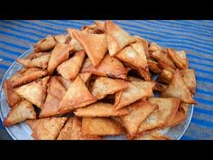 hotel ke Aloo ke crispy samose hotel ke bawarchi se-veg samose-ramazan/iftar special - YouTube Luxury Dining Room, Desi Food, Iftar, Apple Pie, Catering, Samosas, Hams, Make It Yourself, Museums