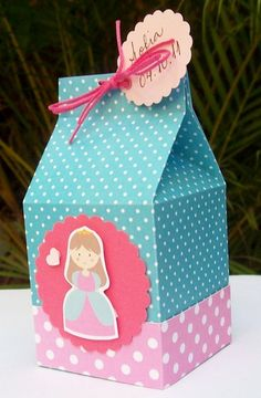 like colors: pink and blue Handmade Paper Boxes, Diy Paper, Baby Crafts, Cute Crafts, Princess Favors, Milk Box, Mickey Birthday, Favor Boxes, Gift Packaging
