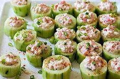 Okurkové jednohubky s tuňákem Sausage Alfredo Recipe, Clean Eating Snacks, Healthy Snacks, Healthy Life, Honey Baked Chicken, Cucumber Uses, Crab Recipes, Party Recipes, Yummy Recipes