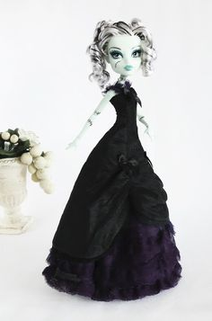 JonzonDolls: Monster High outfit long black and purple victoria...