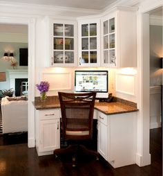 office nook in a kitchen corner traditional home office by Mary Prince Kitchen Desks, Kitchen Corner, Corner Office, Corner Space, Mini Office, Small Office, Room Corner, Office Spaces, Desk Office