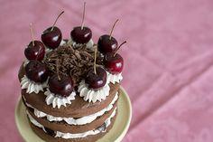 La tarta Selva Negra  ( Schwarzw ä lder Kirschtor te, en alemán)  es un clásico de la repostería alemana, que ya probamos en nu estra  visi...
