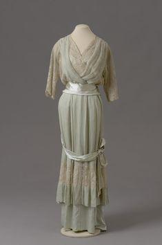 Grand Duchess Adini — Dress belonging to Grand Duchess Olga Nikolaevna...