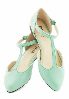 Gorgeous T-strap Mint Flat Sandals