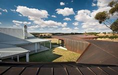 Old farm transformed into a contemporary residence in Australia - Decoist