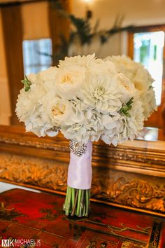 What a gorgeous wedding bouquet.