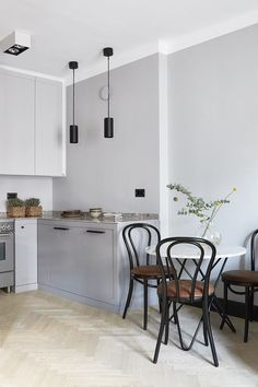 Elegant First Apartment Small Kitchen Bar Design Ideas - Home Design - lmolnar - Best Design and Decoration You Need Apartment Furniture, Kitchen Furniture, Furniture Decor, Bedroom Furniture, Furniture Movers, Furniture Stores, Cheap Furniture, Discount Furniture, Furniture Cleaning