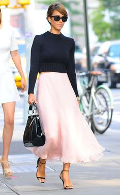 Jessica Alba looks chic and fabulous as she steps out of her NYC hotel. #style
