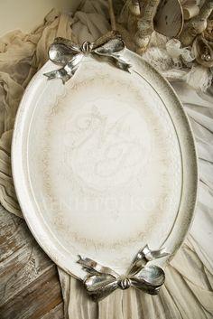 Ξύλινος δίσκος γάμου φλωρεντιανός με φύλλα ασημιού και σκαλίσματα