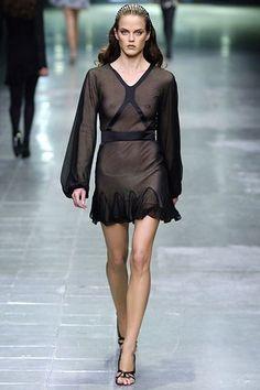 Alexander McQueen Spring 2006 Ready-to-Wear Fashion Show - Shannan Click