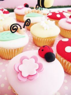these would be perfect for Katelyn's Bday party! Garden Theme Birthday, Birthday Party Themes, Birthday Ideas, 5th Birthday, Cupcake Party, Cupcake Cakes, Toadstool Cake, Ben E Holly, Mushroom Cupcakes