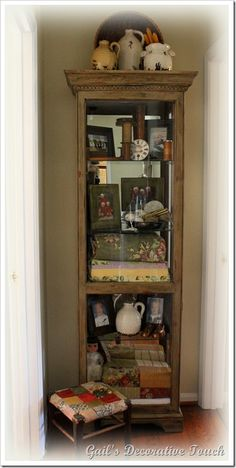 Charmant Way To Use A Curio Cabinet