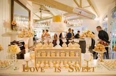 Resultado de imagen para white and gold sweet tables