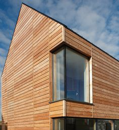 Amazing Timber Cladding Ideas to Spike up Your Building Design Larch Cladding, Wooden Cladding, Wooden Facade, House Cladding, Wall Cladding, Cladding Design, Cladding Ideas, Pergola, Tiny House Exterior
