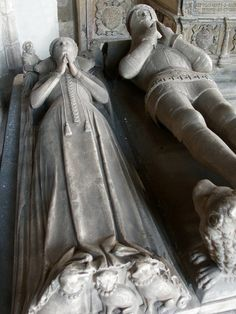 The much married Robert Willoughby, the fourth baron, with his third wife. Willoughby Chapel in the Church of St James, Spilsby Famous Historical Figures, Historical Monuments, Second Wife, First Daughter, Unusual Headstones, Creepy History, Lady Elizabeth, Photoshop Me, Cemetery Art