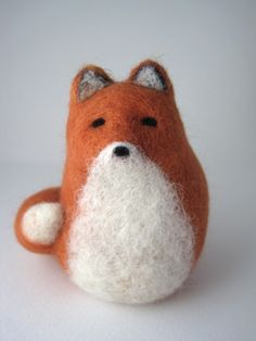 Red Fox Needle Felted Wool Sculpture @birdonwirestudio #felt #woodland #animal #fox #cute