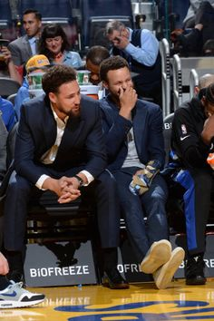 Klay Thompson Pictures and Photos - Getty Images Warriors Basketball Team, Basketball Stuff, Warriors Game, Basketball Players, Stephen Curry Photos, Stephen Curry Family, Nba Stephen Curry, Nfl 49ers, Splash Brothers
