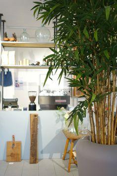 Green cafés, shops, restaurants - via Look! Pimp Your Room