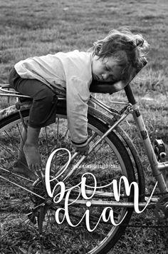 não sou essa criança mas ela me representa nessa terça feira ... bom dia! ⠀ ⠀ ⠀ ⠀ ⠀ ⠀ ⠀ ⠀ ⠀ ⠀ ⠀ ⠀ ⠀ ⠀ ⠀ ⠀ ⠀ ⠀ #BomDia #GoodMorning #LevanteiMasNãoAcordei #QueriaEstarDormindo #SaudadesDaMinhaCama #TerçaFeira