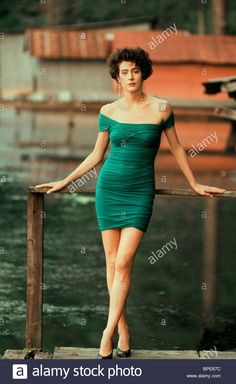 Sean Young Blade Runner, Beautiful Girl Body, Dramatic Classic, Aesthetic Women, Face Photography, Young Actresses, Marilyn Monroe Photos, Actor Photo, Young Love